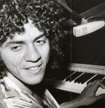 O cantor e compositor Taiguara