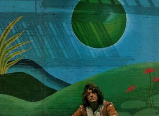O pianista, compositor e arranjador Eumir Deodato em foto do encarte de Deodato 2, segundo álbum do artista brasileiro nos EUA. Foto- Duane Michals : CTI Records
