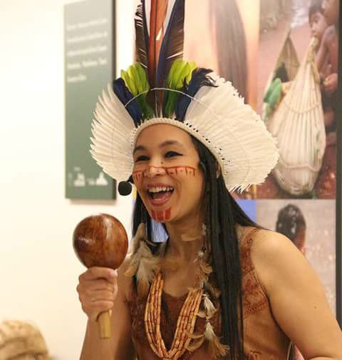 Auritha Tabajara tem 38 anos e seu livro, Magistério Indígena em Verso e Poesia foi lançado em 2010 e integra leituras obrigatórias do Estado do Ceará