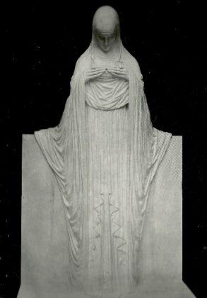 monumento memorial à família Bertolucci - Oferenda. Leia mais- https-::www.galileoemendabili.net:biografia-de-galileo-emendabili-vida-e-obra: