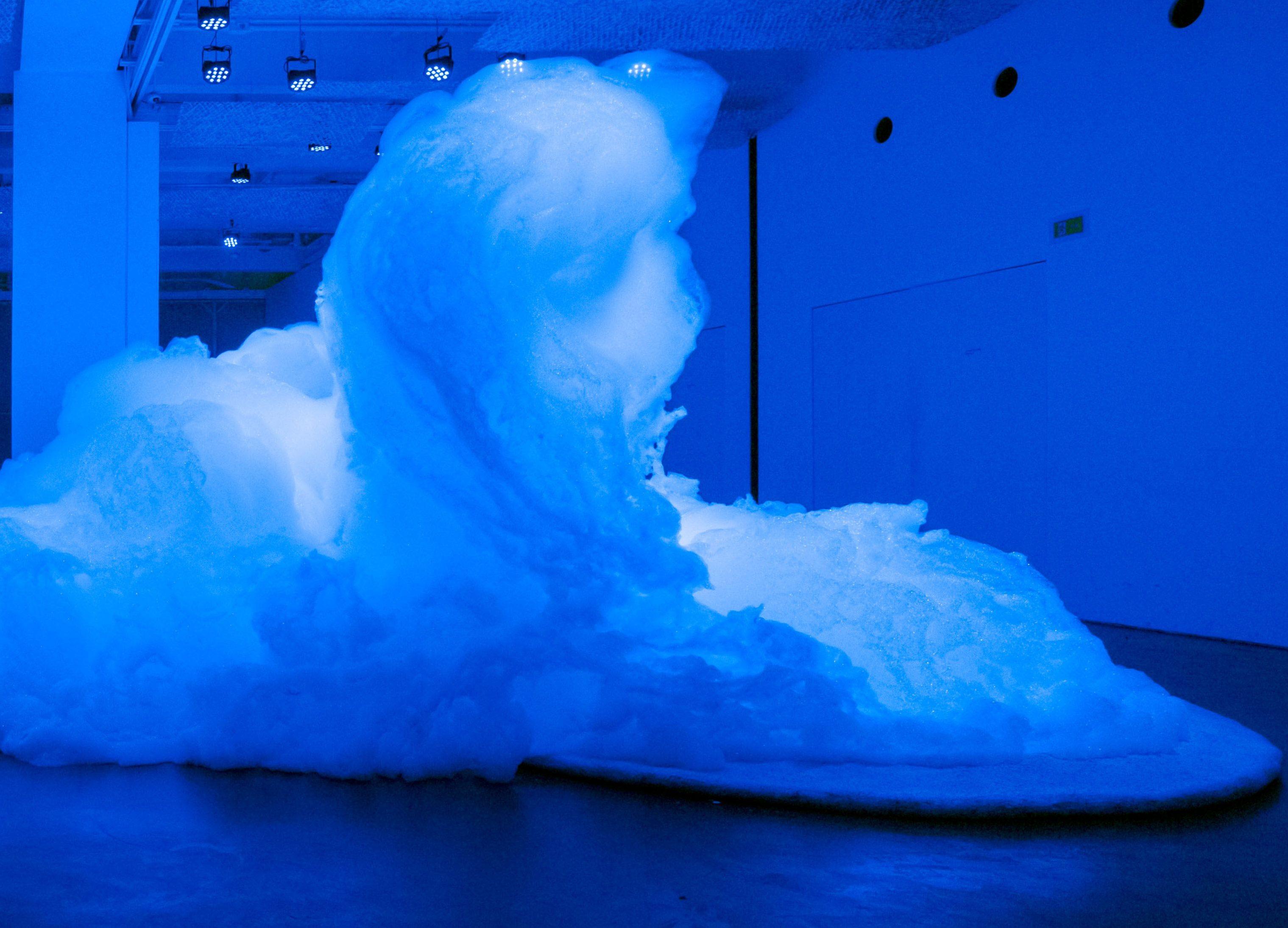 Exposição 'Espuma', de Kohei Nawa. A escultura efêmera aconteceu nos meses de setembro, outubro e novembro de 2017