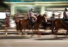 Cena Cavalaria da PM ocupa parte da Avenida Paulista, São Paulo, no dia 11 de junho