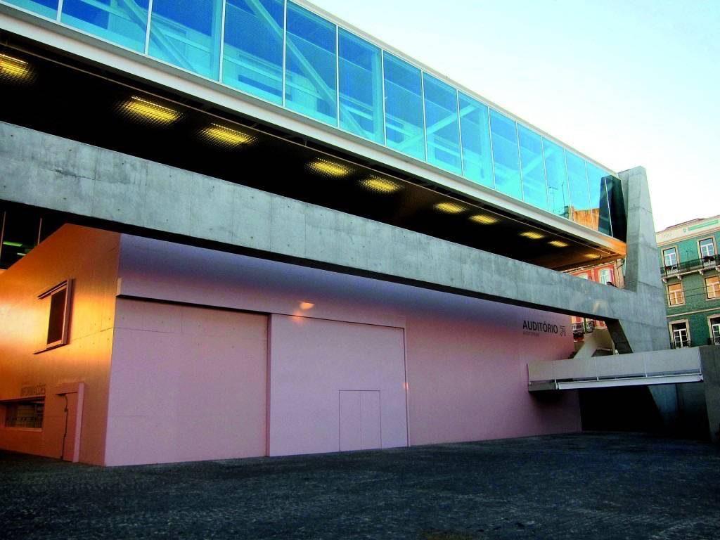 Museu dos Coches – Inaugurado em Lisboa em 2015, foi projetado junto aos escritórios MMBB (Brasil) e Bak Gordon (Portugal). Foto: Bosc D'Anjou/Flickr