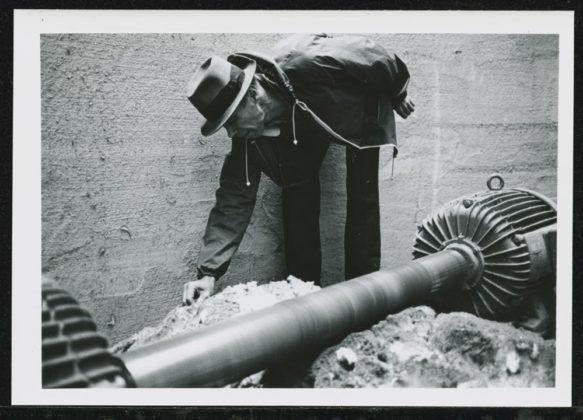 Joseph Beuys na instalação Honigpumpe am Arbeitsplatz