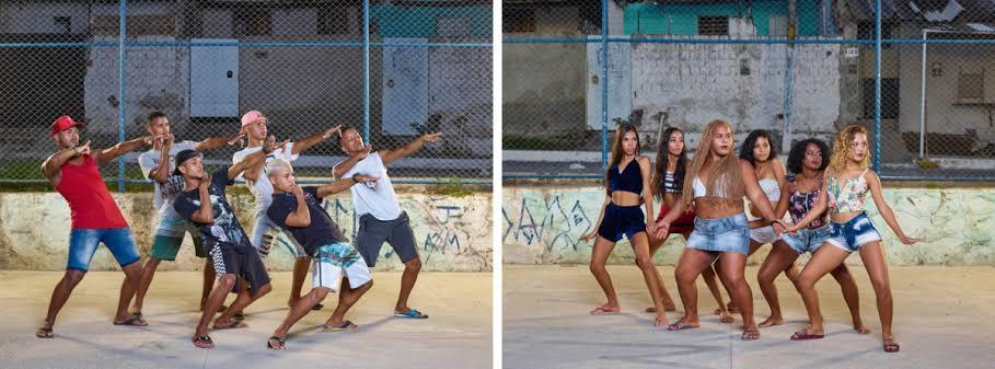 A imagem é um díptico montado com duas fotos de Bárbara Wagner & Benjamin de Burca que mostram jovens em seus respectivos grupos treinando para as competições de swingueira