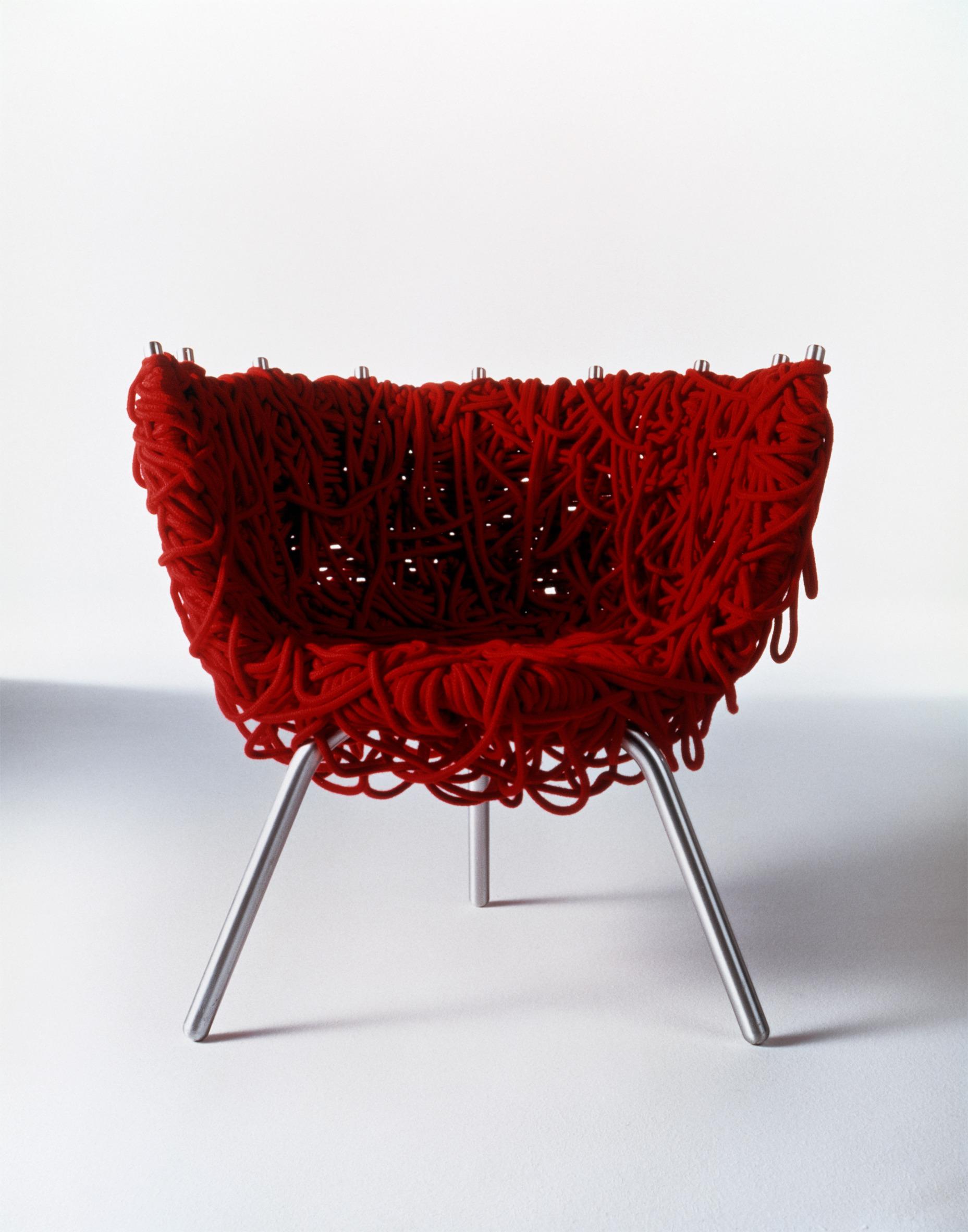 Cadeira Vermelha pelos Irmãos Campana