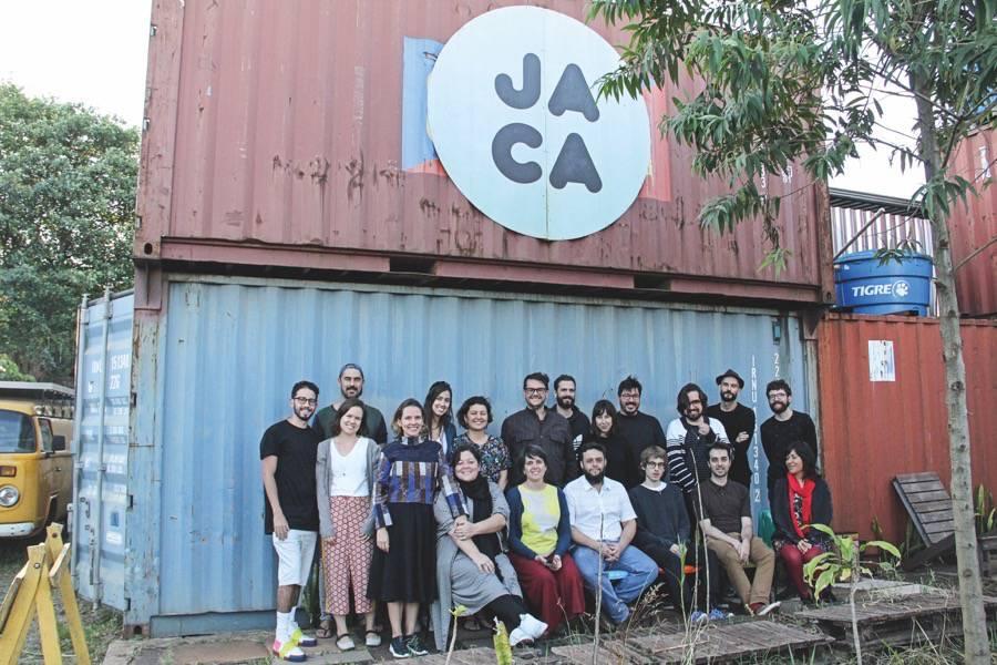 A equipe do JA.CA em sua sede no Jardim Canadá, na Região Metropolitana de Belo Horizonte.