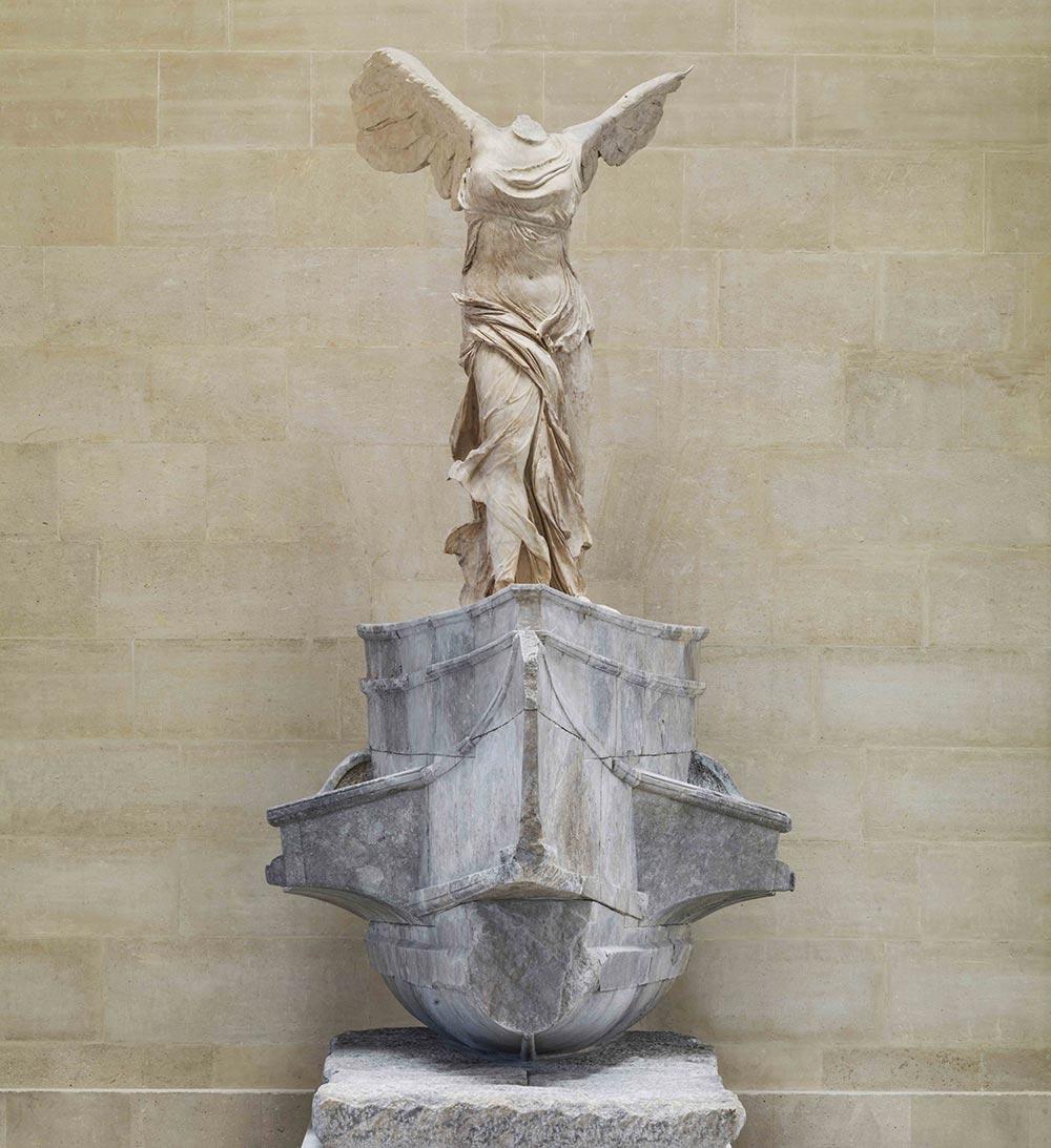 Vitória Alada de Samotrácia, no Louvre
