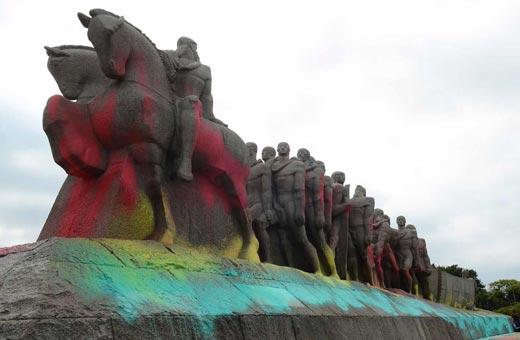 O que fazer com os monumentos de exaltação aos bandeirantes?