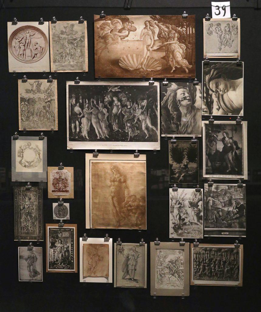 """Aby Warburg. Montagem do """"Atlas Mnemosine"""". em exposição na Haus der Kulturen der Welt. Foto: cortesia do museu."""