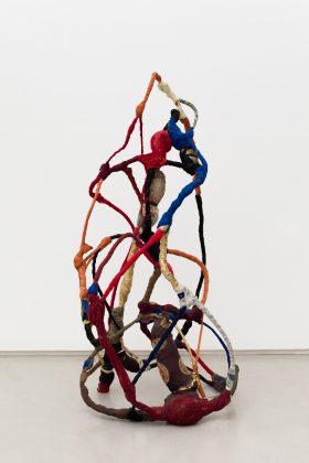 Sonia Gomes é uma das artistas presentes na exposição da Mendes Wood DM, que aproveita a ocasião do OVR: Miami Beach para comemorar sua primeira década apresentando trabalhos que reúnem os valores e ideias-chave que acompanham a galeria desde sua fundação. Foto: Divulgação
