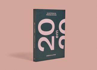 """Capa do livro """"20 em 2020, Os artistas da próxima década: América Latina"""". O livro tem uma capa preta. No topo da mesma, pode-se ler """"os artistas da próxima década"""" em caixa alta, numa letra pequena e rosa. No centro da capa, vemos um """"20"""" grande, escrito de lado, em rosa; seguido por """"em"""" e o topo de outro """"20"""" escrito da mesma forma. O livro está de pé sobre um fundo rosa, no mesmo tom das letras da capa"""