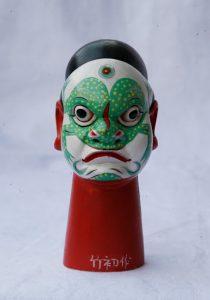 """Ano Novo Lunar. Cabeça de um fantoche que simboliza o """"Espirito do Sapo"""", feito por Xu Zhuchu. Foto: coleção da China Intangible Heritage Industry Alliance / Google Arts & Culture."""