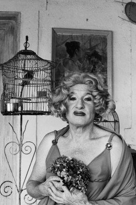 Pessoa não identificada, anos 1970. Foto: Madalena Schwartz, Acervo IMS.