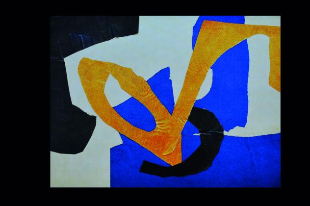 Colagem de Anna Bella Geiger feita em 1951, traz formas abstratas em preto, amarelo e azul sobre um fundo branco.