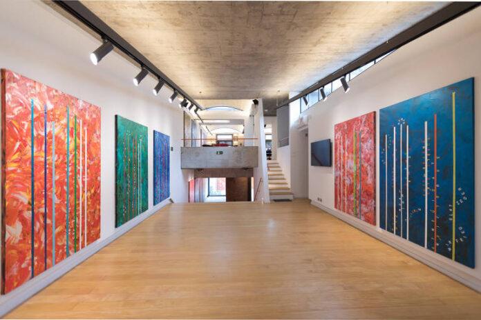 Vista da exposição ALTURAS, de Alex Flemming, na Arte132 Galeria